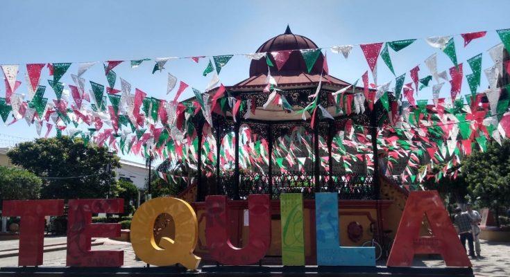Festa na praça de Tequila