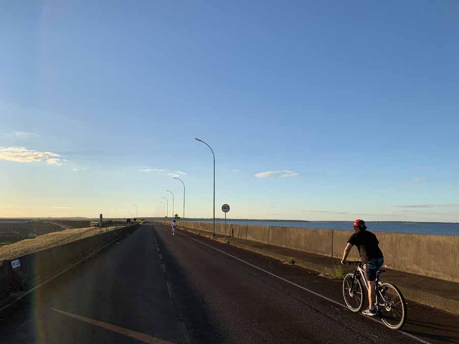 Itaipu by bike 2