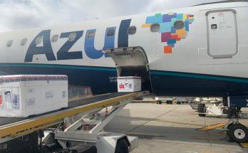 Azul transporta nova remessa de vacina para cinco capitais